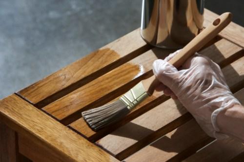 Cinco erros a evitar no restauro de móveis de madeira