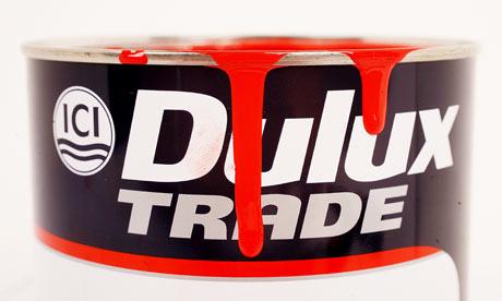 Pot-of-Dulux-paint-001