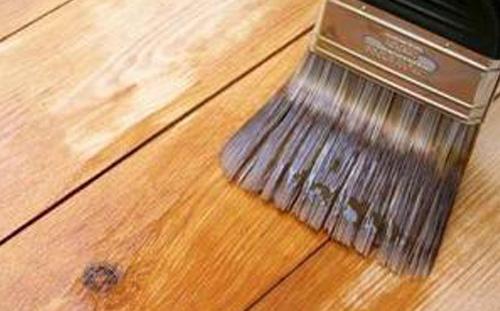 envernizar madeira