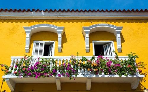 exterior-amarelo