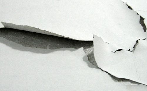 A tinta descascou, porquê e como resolver